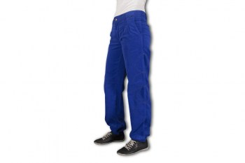 vilna-blue-corduroy-pants-loose-and-pressed-at-hips-and-anckles-leny.eu